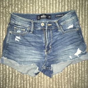 Medium wash Hollister shorts